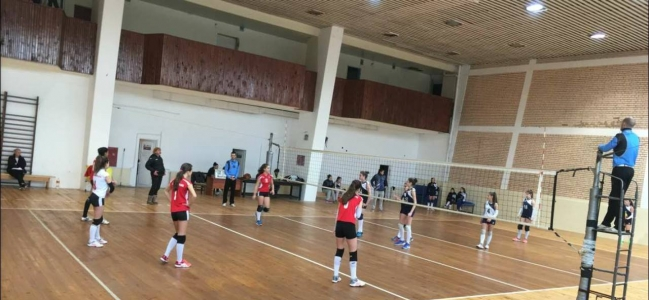 Локомотив - Левски Волей 3:2 при момичетата