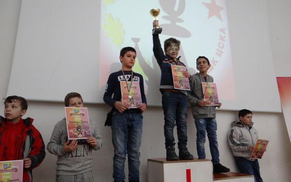 Калоян ДОБРИСЛАВОВ спечели при момчетата